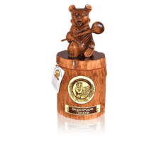 Souvenir with honey Bear on stump 1 kg